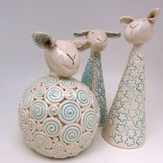Most up-to-date Screen easter Pottery Ideas Tips Résultat de recherche d'images pour pottery ideas for beginners Pottery Animals, Ceramic Animals, Pottery Sculpture, Sculpture Clay, Ceramic Sculptures, Clay Art Projects, Clay Crafts, Ceramic Pottery, Ceramic Art