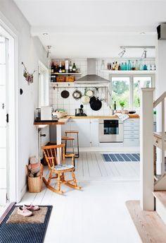 A home in Sweden. Photo by Ester Sorri for Hus & interior design 2012 design Modern Kitchen Design, Interior Design Kitchen, Kitchen Decor, Decorating Kitchen, Kitchen Designs, Kitchen Ideas, Interior Decorating, Kitchen Seating, Nice Kitchen