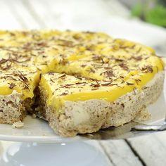 Nå har jeg funnet en helt idiotsikker måte å lage den gule kremen til… Raw Food Recipes, Cake Recipes, Dessert Recipes, No Bake Snacks, No Bake Desserts, Norwegian Food, Pudding Desserts, Sweets Cake, Let Them Eat Cake