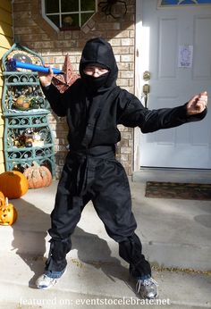 Ninja Halloween Costume- {plus 42 more DIY Costume Ideas}