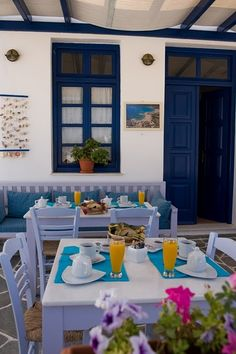 Greek islands = blue + white