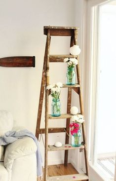 Free plans to make a DIY decorative vintage wood ladder. The vintage inspired ladder makes a awesome display for weddings & home decor. Ladder Display, Ladder Bookshelf, Diy Ladder, Ladder Decor, Garden Ladder, Shelf Display, Cottage Diy Decor, Vintage Ladder, Vintage Wood