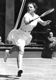 Tennis - Hall of Fame  -  Thelma (Coyne) Long