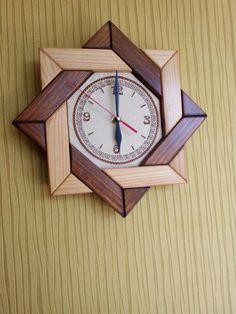 clock design ideas 520658406923847835 - DIY Wall Clock Ideas Source by angeliquekarole Woodworking Furniture, Diy Wood Projects, Woodworking Projects Plans, Diy Woodworking, Wood Crafts, Woodworking Videos, Diy Crafts, Diy Clock, Clock Decor