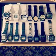 改めて所有チープカシオをまとめてみました。着用する物としては些か増え過ぎてしまいましたが、眺めているだけで楽しいコレクションなので良しとします。一部、チプカシの定義から外れたモデルもございますが総じて、スタンダードカシオと呼ばれる括りという事でご了承を。#チープカシオ#腕時計#ファッション#コレクション