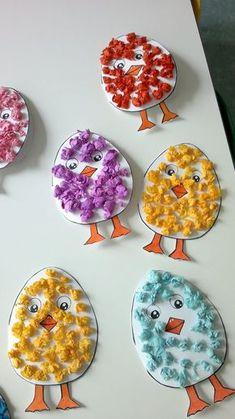 Süße Küken aus Papierkügelchen - toll für #Ostern #basteln