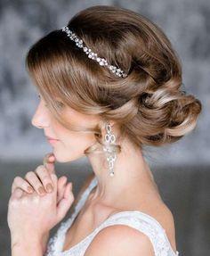 Idee acconciature da sposa con la tiara (Foto 11/40) | Donna