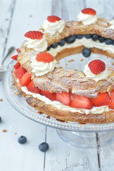 --> Paris Brest <-- Soezenring oftwel Paris Brest met aardbeien; gevuld met slagroom, mascarpone en zomers fruit! Delicious!