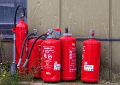 Workplace Fire Protection Tips Safety Rules, Fire Safety, Safety Tips, Fire Extinguisher, Missouri, Workplace, Life Hacks, Horses, Business