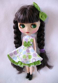 Blythe clothes dress with petticoat and bow white by EnjoytheToy