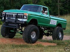 picture of lifted truck that is 13 feet tall | jacked up trucks, whos is biggest? - Ford Truck Enthusiasts Forums