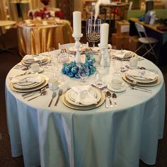 No matter what you celebrate make it elegant and bright. Let our Milt Stegall Drive location show you everything you can rent for your #holidayparty. #winnipeg #menorah #snowflakes #goldchargerplates #wedothedishes