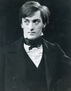 Roger Rees was the perfect Nicholas.  Valiant yet naïve, brave yet insecure, idealistic yet vulnerable.  How we adored him!