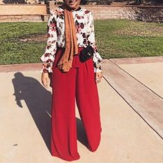How to wear palazzo pants with hijab Modern Hijab Fashion, Arab Fashion, Hijab Fashion Inspiration, Islamic Fashion, Muslim Fashion, Modest Fashion, Stylish Hijab, Stylish Work Outfits, Casual Hijab Outfit