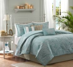 Carmel by the Sea Blue Comforter Set - Queen Size