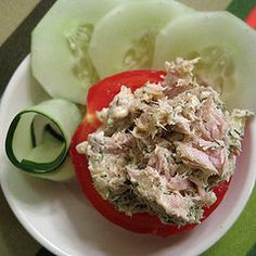 Wanna eat and wanna definitely learn how to make healthy snacks like this.Low carb snacks that are super YUMMY.good idea stuff tuna in a pepper:) Healthy Low Carb Snacks, Healthy Recipes, Low Carb Recipes, Diet Recipes, Healthy Eating, Cooking Recipes, Healthy Food, Protein Snacks, Easy Recipes