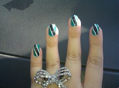 green/white w/ black stripe
