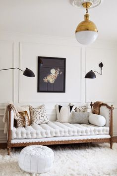 Love this room - simple, bright, with great, playful touches and a nice mix of completely disparate materials. From an excellent italian site with little or no information about its photos - I would pin everything if I could. This is from a picture story about decorating with white.