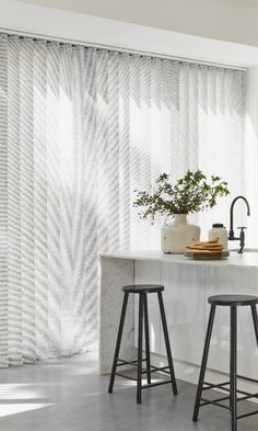 Create a clean modern look with monochrome interiors. Use mainly white and add hints of black in furniture and fixtures to create a subtle look. Use plants and cut flowers to break it up. Blinds For Windows, Curtains With Blinds, Monochrome Interior, Interior Design, Sofa Design, Made To Measure Blinds, Cleaning Blinds, Vertical, Cool House Designs