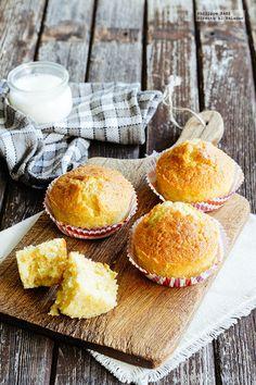 Receta de muffins de maíz. receta con fotografías del paso a paso y recomendaciones de degustación. Recetas de postres fáciles de hacer...