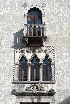 Venetian window in Udine, Friuli Venezia Giulia Italy Architecture, Architecture Details, Gothic Architecture, Ancient Architecture, Best Of Italy, Italian Street, Italy Art, Regions Of Italy, Visit Italy