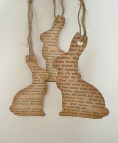 Easter decoration - neutral bunny tags - from old book pages Hoppy Easter, Easter Bunny, Easter Eggs, Spring Crafts, Holiday Crafts, Holiday Fun, Diy Ostern, Easter Parade, Easter Tree