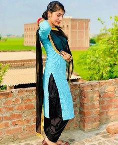 Patiala Salwar, Punjabi Suits, Couture Dresses, Designer Dresses, Girl Outfits, Bangles, Sari, Queen, Glass