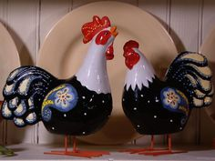 These Rockin Roosters are perched on springs and move to the touch.  The Set of Two will be right at home in your kitchen.  Come in black (shown) or brown.  1 rooster / 1 hen.  H203778 http://qvc.co/-Shop-ValerieParrHill