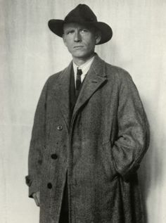 German painter Otto Dix Dresden 1928 // by August Sander August Sander, Documentary Photographers, Portrait Photographers, Roaring Twenties, The Twenties, Monocycle, New Objectivity, Otto Dix, Call Of Cthulhu