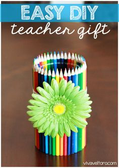 Easy #DIY Teacher Gift – Colored Pencil Vase!