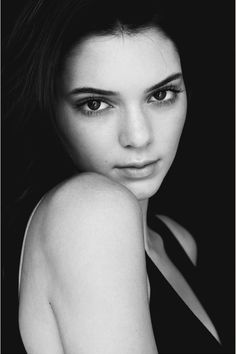 Kendall jenner. Why is she so beautiful????