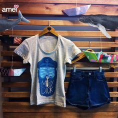 """Queria saber falar baleiês""  #lojaamei #chicorei #mobydick #baleia #marinheiro #jeans #short"