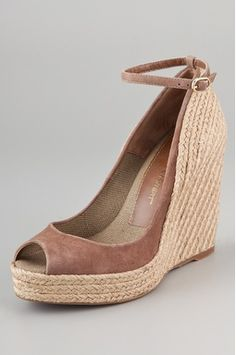 great spring wedges that will flatter any look!