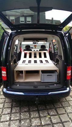 DIY picture gallery – The clever and inexpensive camping box to plug in! The post DIY Bildergallerie – The clever and inexpensive Ca … appeared first on Woman Casual - Camping Auto Camping, Minivan Camping, Trailers Camping, Truck Camping, Camping Hacks, Camping Diy, Retro Trailers, Camping Cabins, Camping Supplies