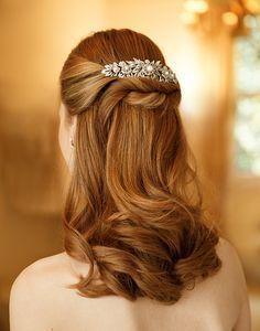 Penteado de noiva - cabelo meio preso com torcidinho - ruiva { Foto: Fernando Louza | Pente: Miguel Alcade }