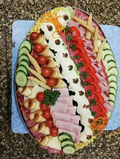 Fancy Party Food, Veggie Tray, Food Crafts, Finger Foods, Waffles, Buffet, Brunch, Food And Drink, Veggies
