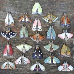 * Sold out 🙈 thank you guys SO much ! Moth update on Friday in my Etsy shop. Ceramic Jewelry, Ceramic Clay, Ceramic Pottery, Clay Art Projects, Ceramics Projects, Ceramic Animals, Clay Animals, Polymer Clay Crafts, Polymer Clay Jewelry