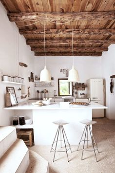 Modern Kitchen Interior make mine rustic chic. - recently, i've just been overcome with the desire for open beamed ceilings and warm interiors with a that lovely rustic feel. Rustic Kitchen, Kitchen Decor, Open Kitchen, Compact Kitchen, Kitchen White, Diy Kitchen, Kitchen Island, Kitchen Ideas, Kitchen Lamps