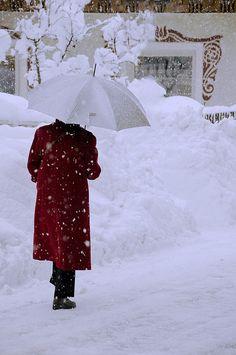 Umbrella in the snow I Love Snow, I Love Winter, Winter Is Coming, Winter Day, Winter White, Winter Season, Winter Christmas, Winter Colors, Perfect Day
