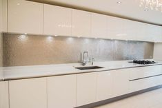 Premium Collection glass kitchen splashback by CreoGlass Design (London,UK). For more glass kitchen splashbacks and non-scratch worktops visit www.creoglass.co.uk #backsplash #kitchen