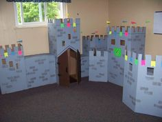 cardboard castle room :) OMG I love this. We could combine it with a blanket forte in the middle! And a pillow thrown.