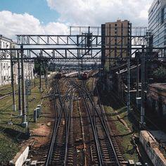 Летом всегда тянет путешествовать  #vsco #vscocam #vscorussia #vscomoscow #vscodaily #vscogram #instagood #instamood #train #adventure #travrel #road #moscow by linaglaz http://bit.ly/AdventureAustralia