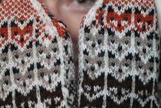 p i i p a d o o: Ketut! Knit Mittens, Knitting Socks, Hand Knitting, Knitted Hats, Wrist Warmers, Hand Warmers, Knitting Charts, Knitting Patterns, Drops Alpaca