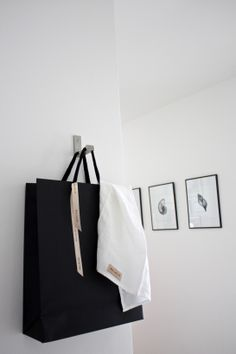 homevialaura | Balmuir | white linen kitchen towel | paper bag | home interior | gallery wall