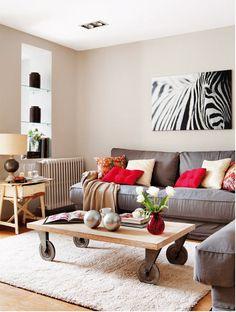 同樣來自西班牙居家雜誌Casa Diez,一間Madrid翻新而成的現代小公寓