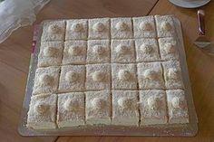 Rafaello - Schnitten, a very delicious recipe from the cakes category. Ratings: Average: Ø Rafaello - Schnitten, a very delicious recipe from the cakes category. Ratings: Average: Ø No Bake Truffles, Vegan Truffles, Coconut Truffles, Sweet Recipes, Cake Recipes, Dessert Recipes, German Baking, Cut Recipe, Tasty Recipe