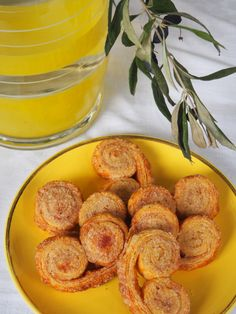 Palmier biscuits with spices by Madame Gateaux Biscuits Palmier, Tea Service, Madame, Pretzel Bites, Afternoon Tea, Spices, Blog, Bread, Ethnic Recipes