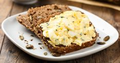 Health How to Make A Buttermilk-Herb Egg Salad Sandwich – Health How to Make A Buttermilk-Herb Egg Salad Sandwich Search Source link. Grilled Pizza Recipes, Rye Bread Recipes, Egg Recipes, Salad Recipes, Egg Salad Sandwiches, Healthy Sandwiches, Snacks Für Party, Easy Snacks, Bbq Salads