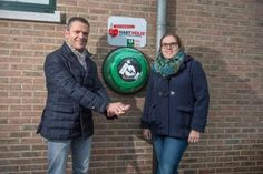 2 lives saved in one weekend in #Belgium by the same #AED!! #rotaid #PAD http://www.gva.be/cnt/dmf20141117_01379542/defibrillator-redt-twee-levens-in-een-weekend …