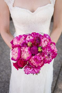 18 Peonies Bouquet Examples - The Best Design Corral Peony Bouquet Wedding, Wedding Ceremony Flowers, Rustic Wedding Flowers, Spring Wedding Flowers, Peonies Bouquet, Purple Wedding, Bridal Bouquets, Red Peonies, Wedding Wows